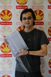Artbook Tribute to Tsukasa Hôjô - Hôjô-sensei with the book
