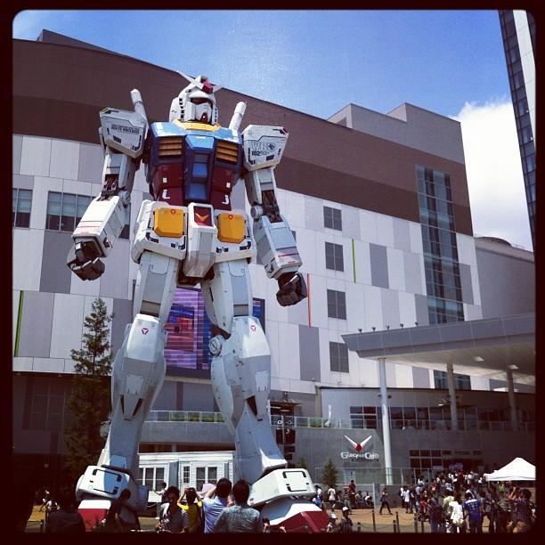 ガンダムのパイロットになりたいです~ ♪( ´▽`) Gundam, I want to pilot you~