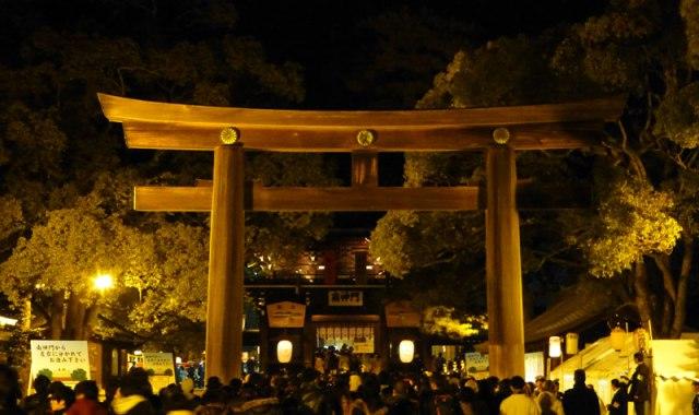 japon-hatsumode-meiji-jingu