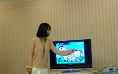 Rikako Yamaguchi explaining how to use timecode