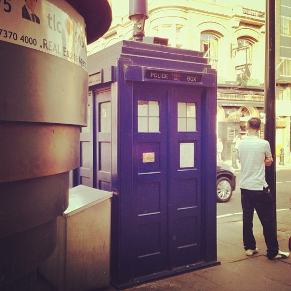 The TARDIS in the street! ‪#‎DoctorWho‬ ‪#‎EarlsCourt‬ http://instagram.com/p/btb8NIu347/