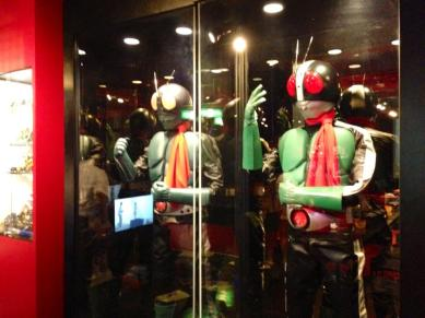 2013-08-japon-restaurant-Kamen-Rider-the-diner-3