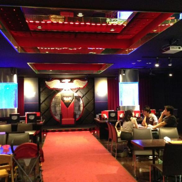2013-08-japon-restaurant-Kamen-Rider-the-diner-5