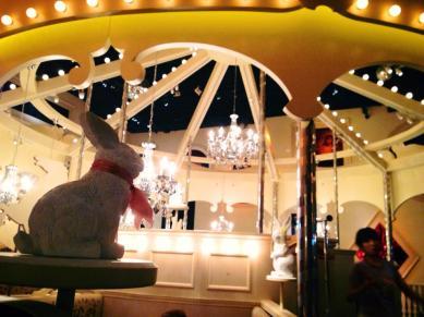 Alice restaurant ! めっちゃかわいい♡ — at 魔法の国のアリス.