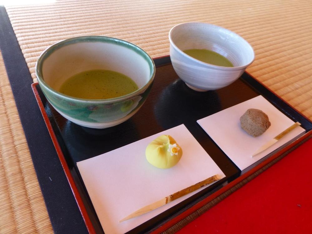 Délicieux moment à la maison de thé de Hama-rikyû teiten