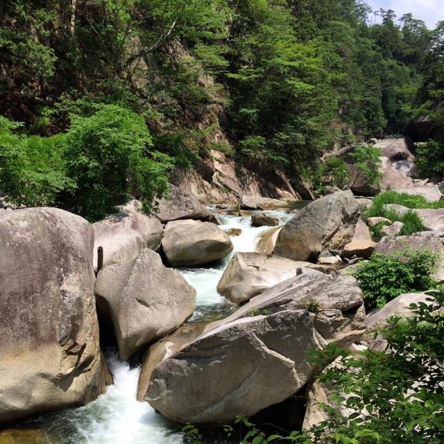 御岳昇仙峡渓谷。Mitake Shōsenkyō Gorge, chibi waterfalls before the big one