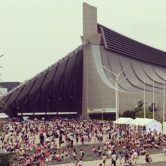 Au Yoyogi stadium pour le concert d'Ayu ♪───O(≧∇≦)O────♪