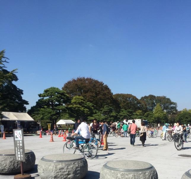 palace-cycling-tokyo