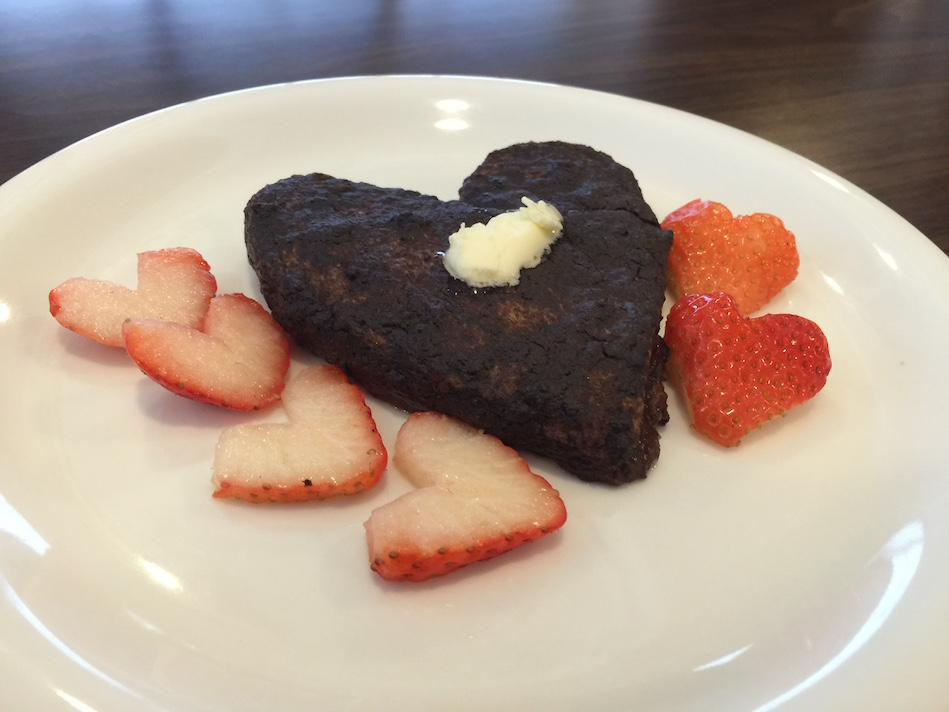 heart-cocoa-french-toast-rosalys-2