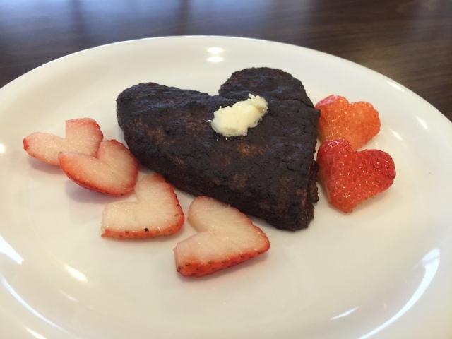 heart-cocoa-french-toast-rosalys-2
