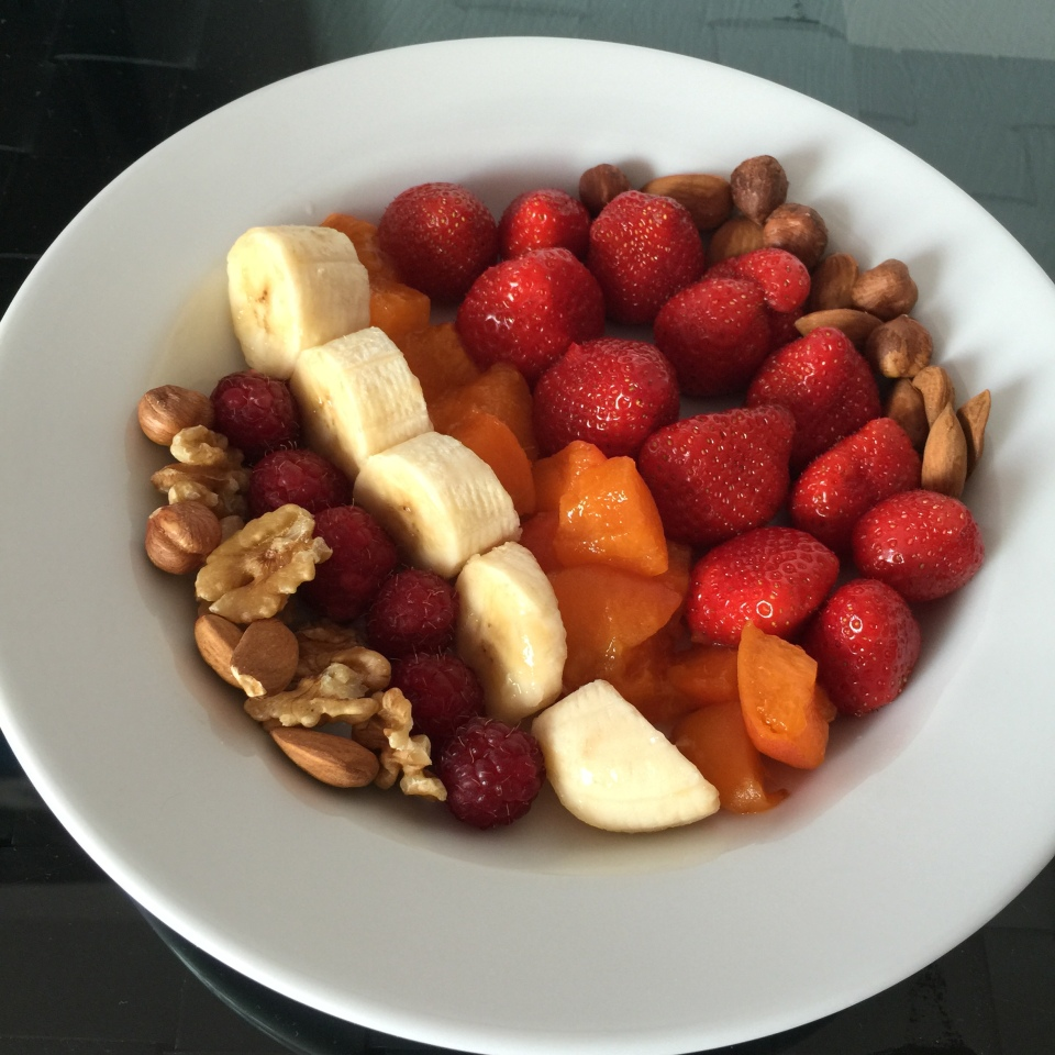 what-i-eat-in-a-day-2-la-baule-salade-fruits