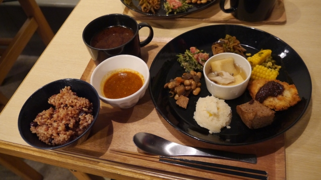 2016-08-02-what-i-eat-in-a-day-in-japan-5-vegan-shojin-plate